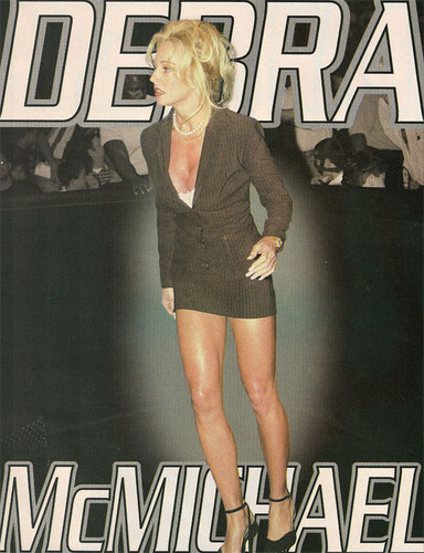 Bekas Diva WWE... Debra kertas dinding possibly with bare legs, seluar panas, hot pants, and a hip boot titled Pin Up - Debra McMichael