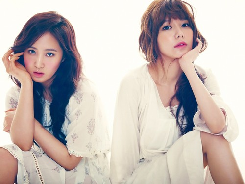 SNSD Girls' GenerationYuri & Sooyoung The 별, 스타 Magazine April 2013 사진 / Pictures