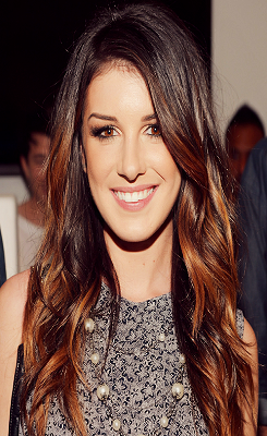 Shenae Grimes wallpaper probably with a blouse and a portrait called Shenae <3