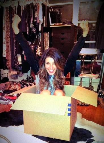 Shenae Grimes wallpaper with a packing box called Shenae <3