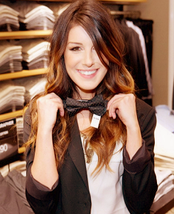 Shenae Grimes wallpaper probably with a business suit entitled Shenae <3