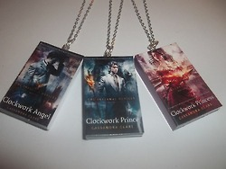 cazadores de sombras fondo de pantalla called TMI/TID Miniature Book Necklaces
