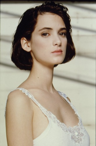 Winona Ryder wallpaper probably with a portrait called Winona Ryder