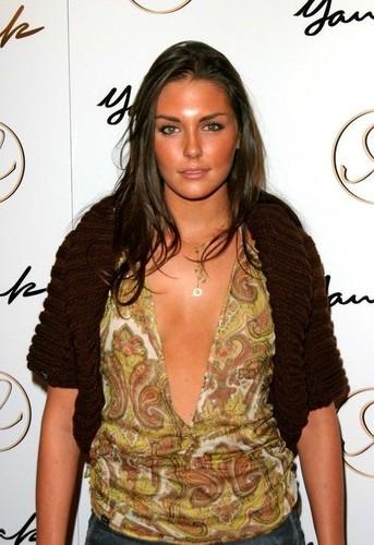 Yana K Los Angeles Fashion ipakita