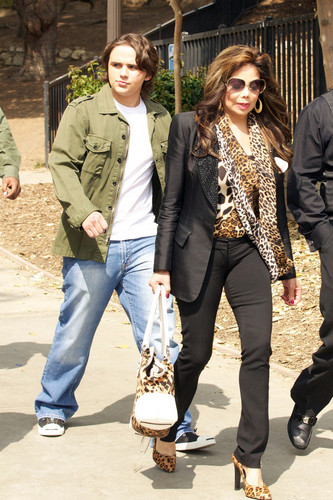 latoya jackson and prince jackson new march 2013