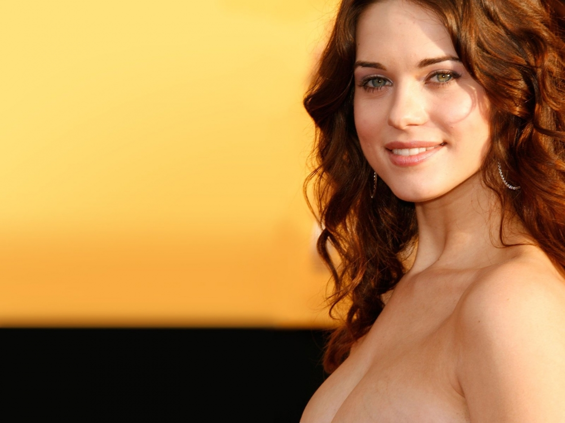 lyndsy fonseca tub time machine