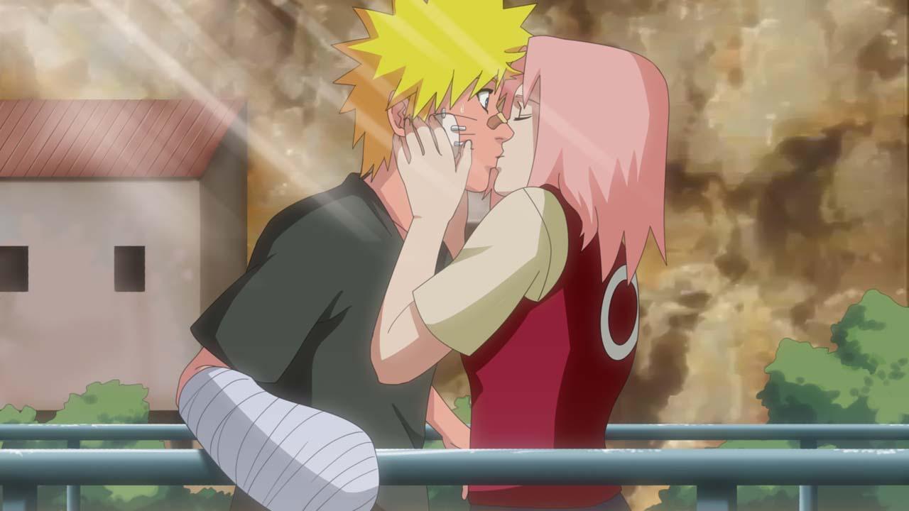Целуются наруто и сакура