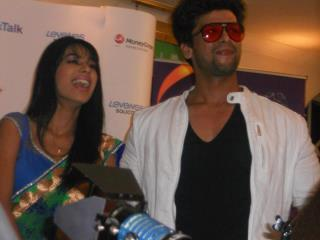 nia and kushal at লন্ডন