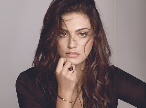 Phoebe Tonkin wallpaper probably with a portrait titled pheobe