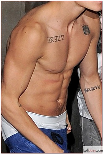 shirtless biebs all in all ♥♥♥♥