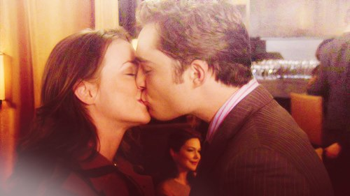 Blair & Chuck Обои containing a business suit entitled special Chair moments: six seasons of Любовь ♥