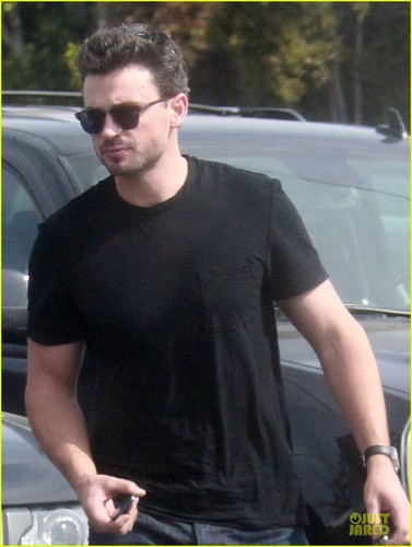 tom welling new चित्र