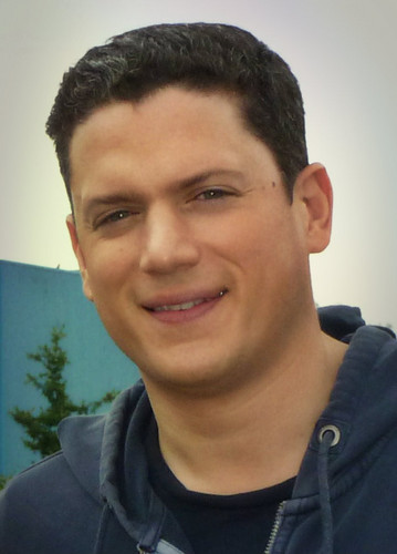 Wentworth Miller achtergrond possibly with a portrait entitled wentworth miller