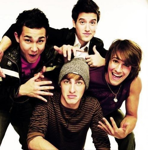 Big Time Rush wolpeyper possibly containing an outerwear and a well dressed person called ♥BTR♥