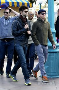 Luke with his mga kaibigan Jesse Tyler Ferguson and Justin Mikita, in Disneyland (January, 16 2012)