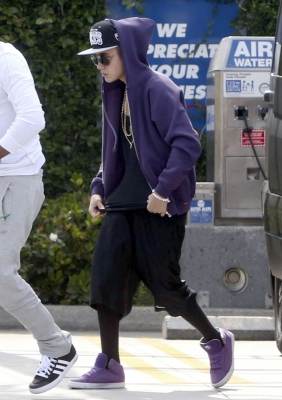 [May 16] Goes to AmPm with Lil Twist