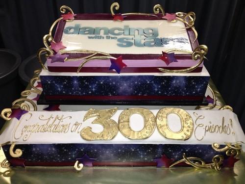 300 Episode Cake