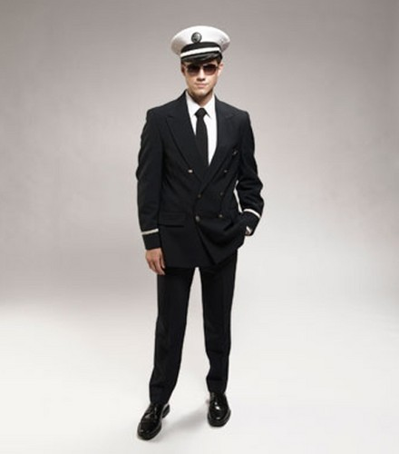 Aaron as Frank Abagnale Jr in Catch Me If u Can Promo Stills