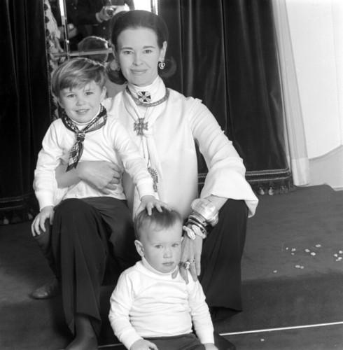 Anderson, Carter & Gloria Vanderbilt