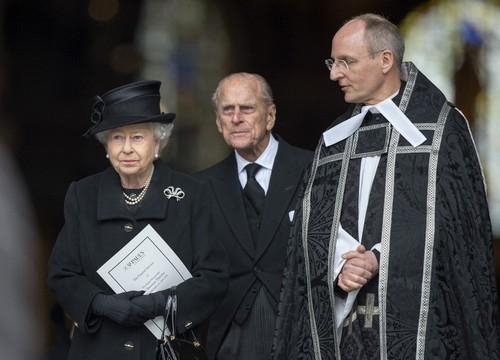 ratu elizabeth ii wallpaper probably with a business suit called Ceremonial Funeral Services for Margaret Thatcher