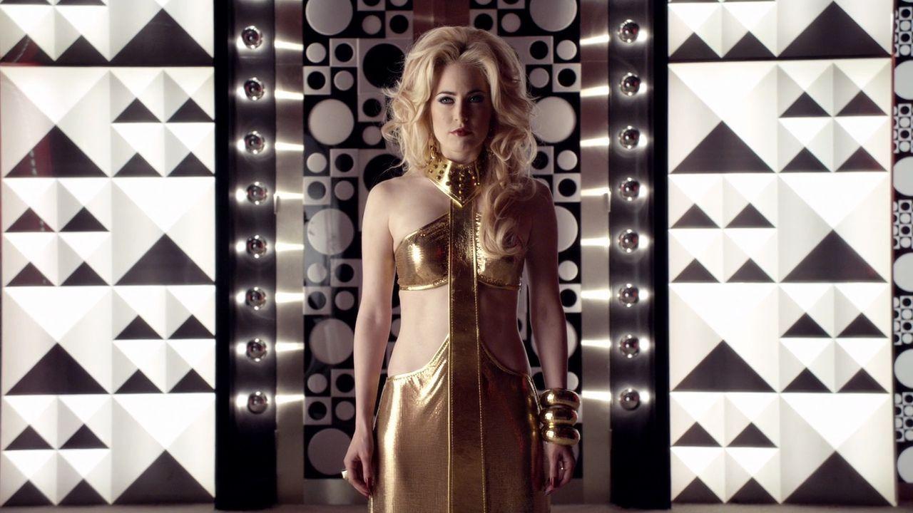 charlotte Sullivan as Duchess in ALICE