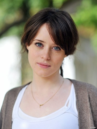 The Vampire Academy Blood Sisters fond d'écran containing a portrait entitled Claire Foy