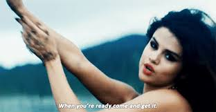 Selena Gomez karatasi la kupamba ukuta containing a portrait titled Come and get it*_*