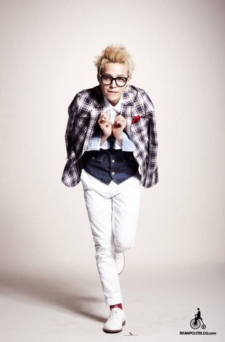 G-DRAGON for سیم, پھلی Pole [11.03.28]