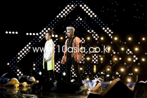 GD&TOP- 10Asia Interview (10.12.29)