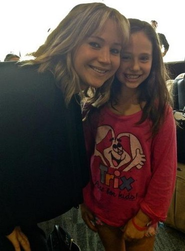 Jennifer with a fan
