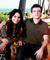 Josh & Vanessa - josh-hutcherson photo