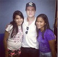 Josh with fans in Panama - josh-hutcherson photo