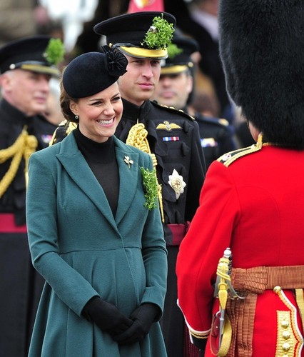 Kate Middleton Goes to the Races