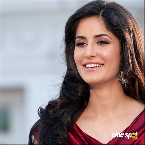 Katrina Kaif wallpaper containing a portrait titled Katrina kaif