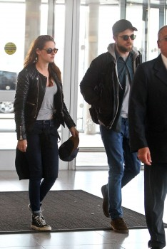 Kristen and Rob in NYC (8th May 2013)
