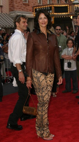 Lynda Carter (2003)