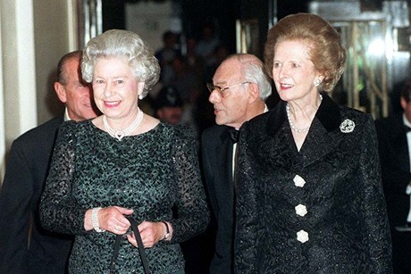 Margaret Thatcher and 퀸 Elizabeth