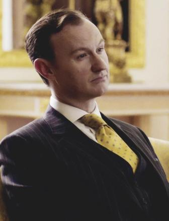 Sherlock in der BBC Hintergrund containing a business suit titled Mycroft Holmes
