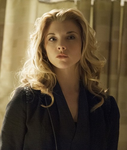 Натали Дормер Обои with a well dressed person and a portrait entitled Natalie Dormer as Irene Adler in Elementary (2013)