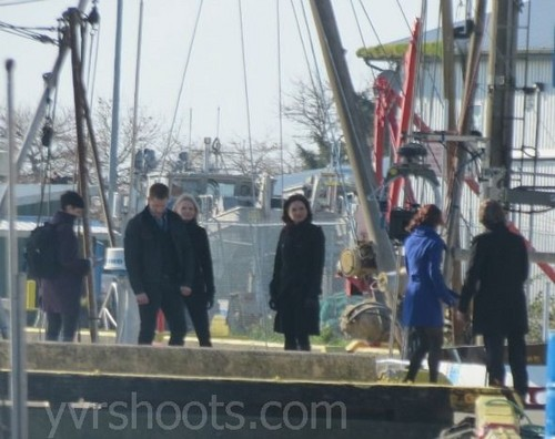 OUAT 2x22 Finale बी टी एस Photos-'Cast On Hook's Ship!'