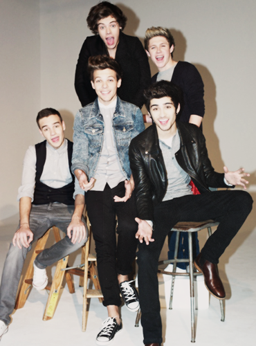 One Direction wallpaper possibly containing a business suit and a well dressed person entitled OnE DiReCti♥N