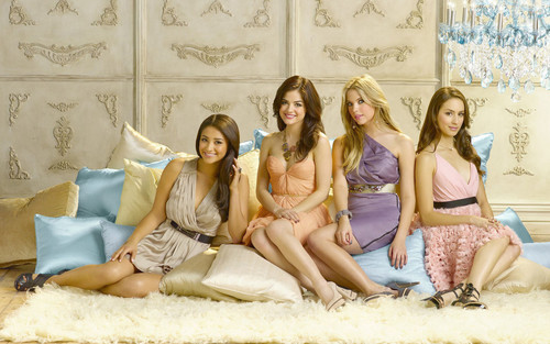 Pretty little liars :D
