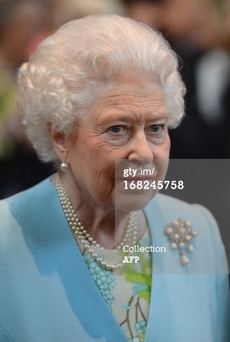 reyna Elizabeth II at Temple Church in London on May 7, 2013.