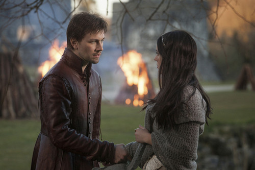 Reign [TV Show] Обои titled Reign