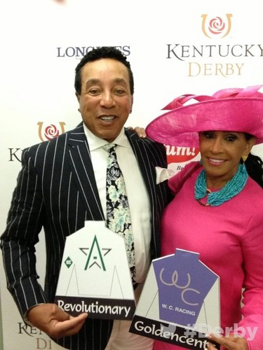 Smokey Robinson With saat Wife, Frances