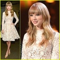 SuperDivya - taylor-swift photo