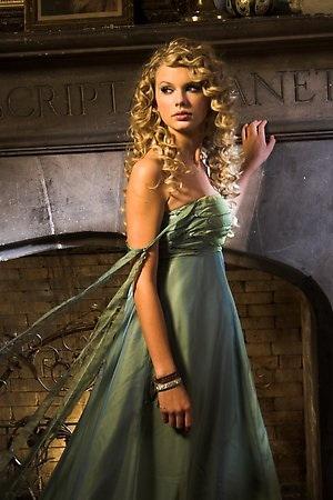 Emmeline de Puerto Blanco Taylor-swift-the-princess-3-taylor-swift-34440854-300-450