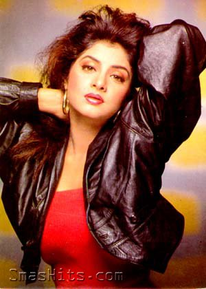 Divya Bharti Hintergrund containing a portrait entitled divya