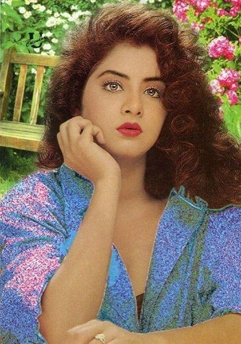 Divya Bharti Hintergrund probably with a portrait entitled divya