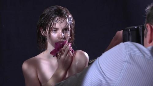 Emma Watson karatasi la kupamba ukuta entitled emma
